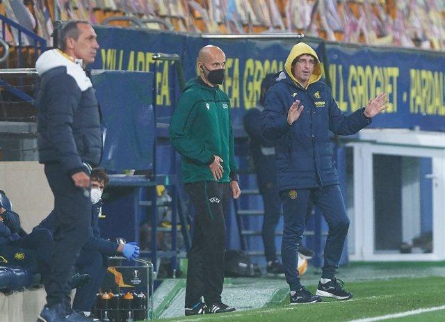 Unai Emery head coach of Villarreal CF during the Uefa Europa League Group I mach between Villarreal and Maccabi Tel Aviv at Estadio de la Ceramica on November 5, 2020 in Vila-real, Spain