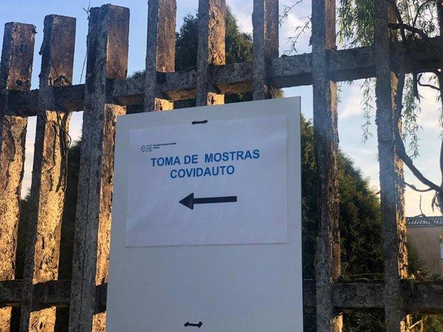 Zona de toma de muestras 'covidauto' del Hospital Clínico de Santiago de Compostela (CHUS) durante la epidemia de coronavirus.