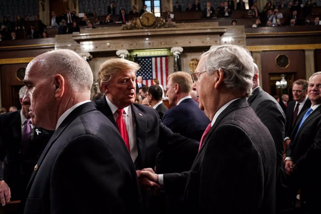 February 5, 2019 - Washington, DC, United States: President Trump shook hands with Senator Mitch McConnell, R-KY, after the State of the Union at the Capitol. (Contacto)