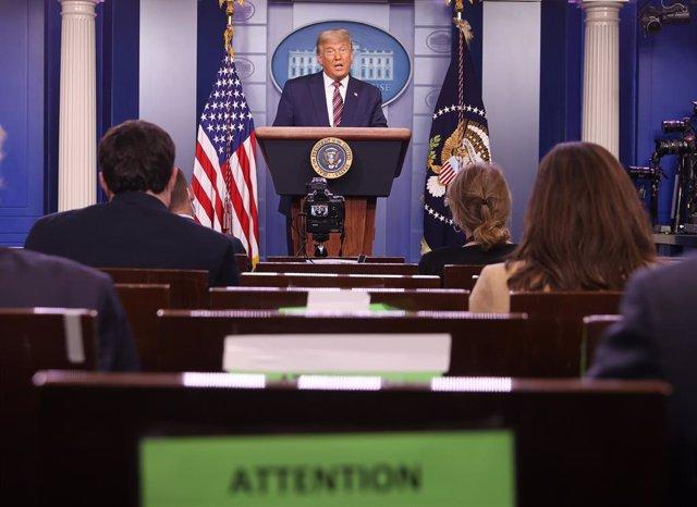 Donald Trump compareix a la Casa Blanca
