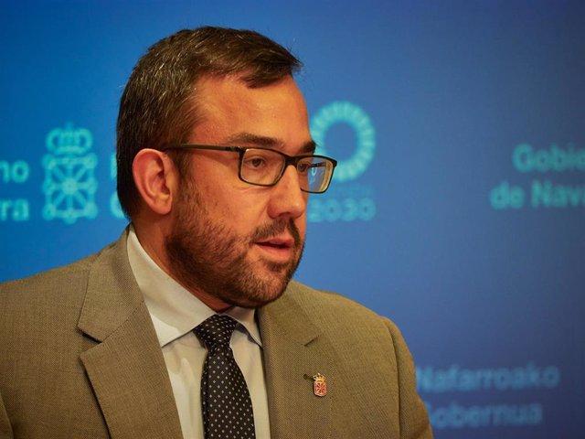El vicepresidente primero y portavoz del Gobierno de Navarra, Javier Remírez, durante una rueda de prensa.