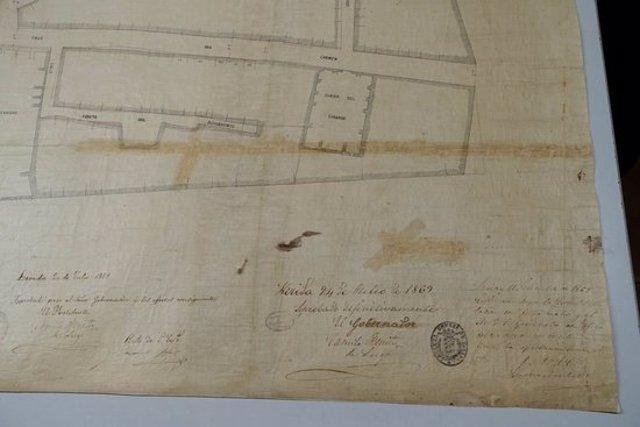 Imatge del plànol urbanístic de Lleida elaborat per Julio Saracíbar el 1869 i que ha restaurat l'Arxiu Municipal de Lleida, el 6 de novembre del 2020. (Horitzontal)
