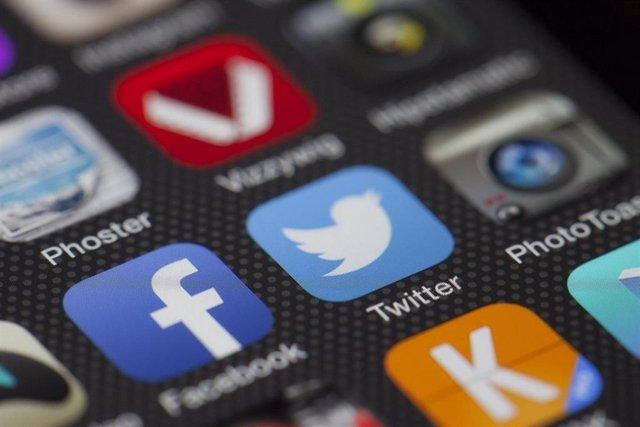 Logos de Twitter y Facebook