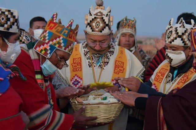 Ceremonia andina de Luis Arce en Tiwanaku antes de tomar posesión como presidente de Bolivia