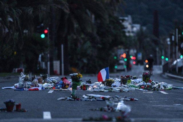 Homenatge a les víctimes de l'atemptat niçard