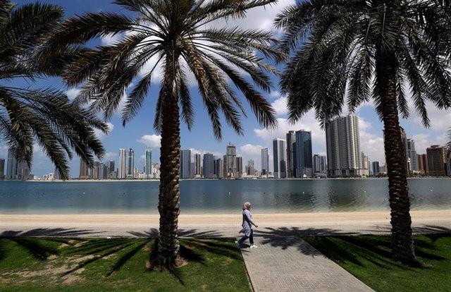 Una mujer en Emiratos Árabes Unidos