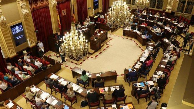 Pleno del Parlament de Baleares.