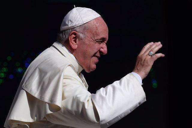 El papa Francesc dirigint la seva audiència general dels dimecres a la Plaça de Sant Pere. Foto del 26 de juny del 2019