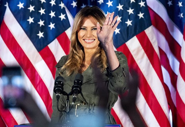 27 October 2020, US, Atglen: US First Lady Melania Trump attends a rally to support US President Donald Trump at The Barn at Stoneybrooke. Photo: Michael Brochstein/ZUMA Wire/dpa