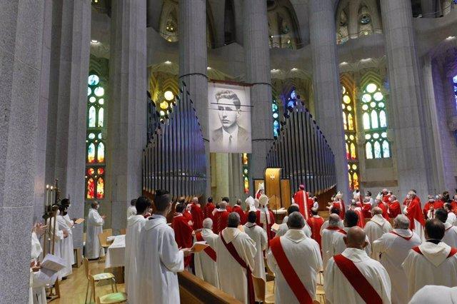 La cerimònia de beatificació de Joan Roig i Diggle a la Sagrada Família.