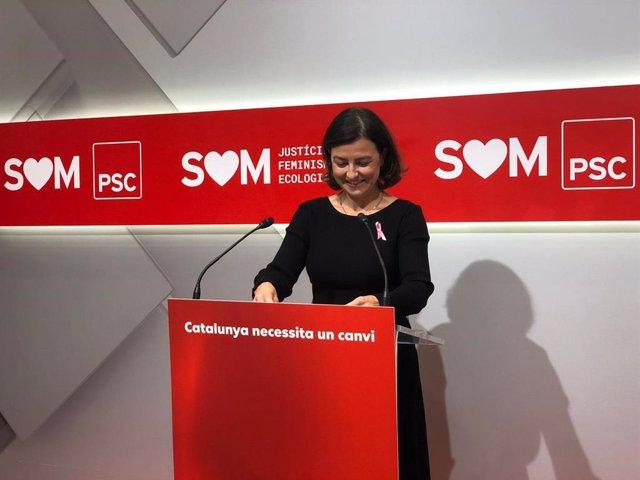 La viceprimera secretaria del PSC, Eva Granados, en rueda de prensa en la sede del PSC el lunes 19 de octubre