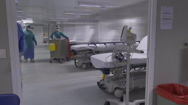 Imagen del puesto externo del triaje avanzando habilitado en el Hospital de Laredo (Cantabria).