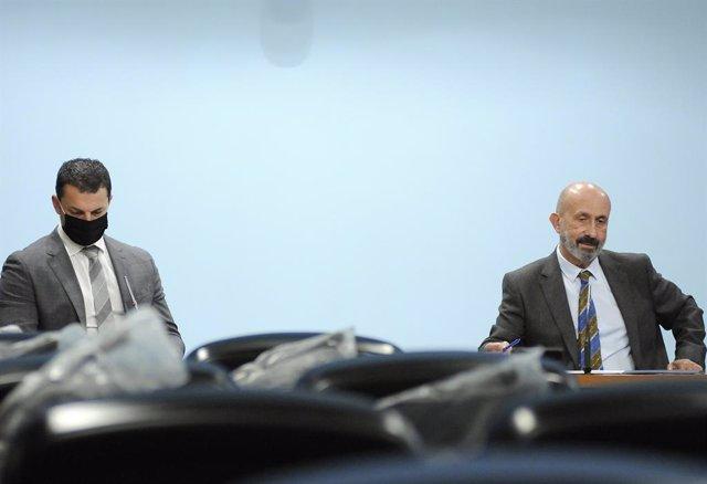 El ministre de Presidència, Economia i Empresa, Jordi Gallardo, i el ministre de Salut, Joan Martínez Benazet.