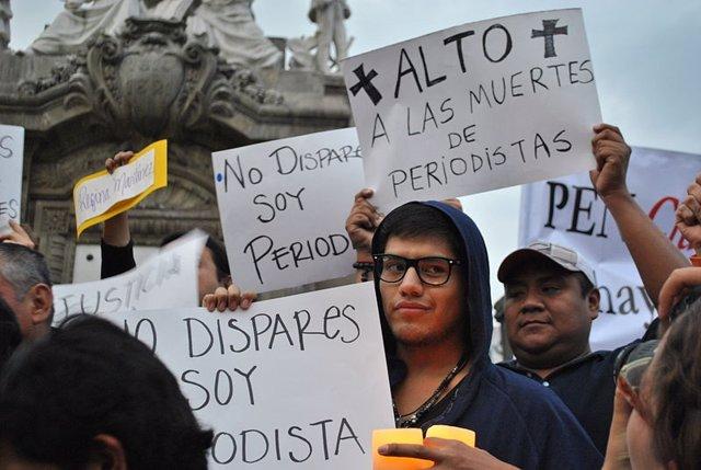Imagen de una protesta en México denunciando los asesinatos de profesionales de la información.
