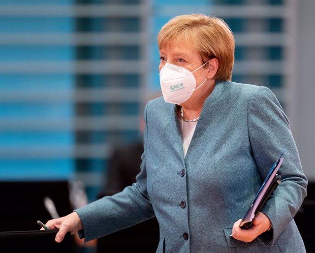 Angela Merkel llegando a una reunión del Gobierno en la sede de la Cancillería, en Berlín