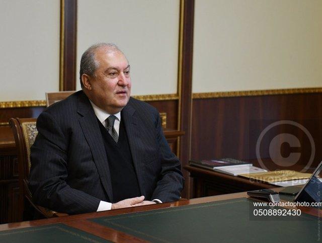 El presidente de Armenia, Armen Sarkisián, en una reunión en Ereván