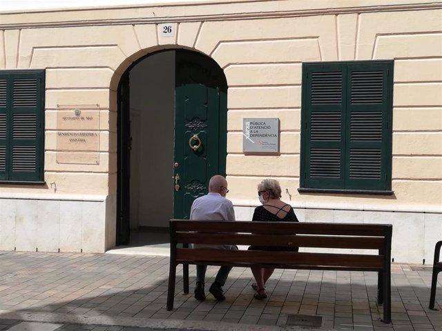 Gómez defiende la gestión de la pandemia en las residencias de mayores de Baleares