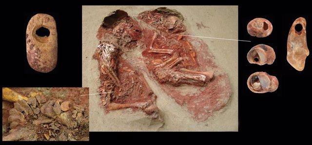 Aspecto y detalles del enterremianeto doble de gemelos más antiguo conocido