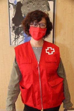 Pla mitjà de la coordinadora de Creu Roja Tarragona, Anna Sabaté. Foto del 6 de novembre del 2020 (vertical).