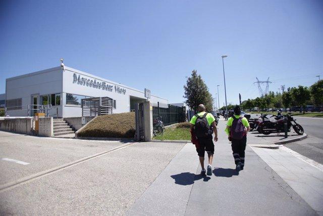 Fachada de la planta de Mercedes-Benz de Vitoria, a 18 de mayo de 2020.