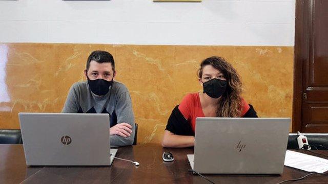 D'esquerra a dreta, el primer tinent d'alcalde, Ivan Sànchez, i l'alcaldessa de Berga, Montse Venturós. Imatge del 9 de novembre del 2020. (Horitzontal)