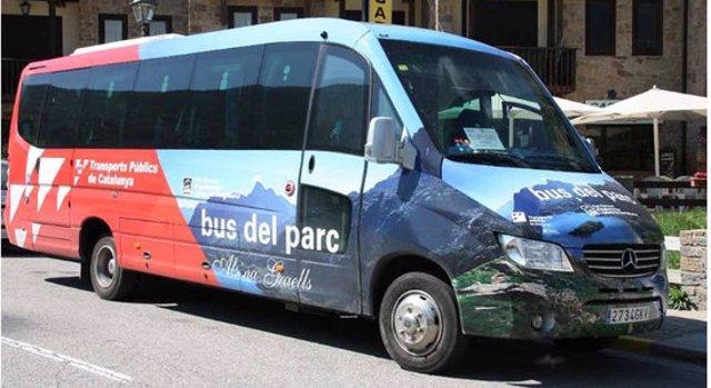 Primer pla del Bus del Parc Nacional d'Aigüestortes i Estany de Sant Maurici. (horitozontal)