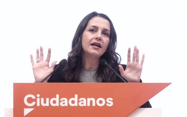 La presidenta de Cs, Inés Arrimadas, en una roda de premsa posterior a la reunió del Comitè Permanent del partit.
