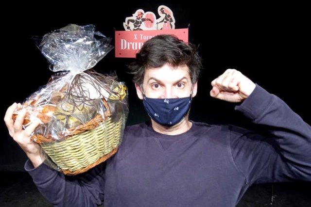 El guanyador del combat del X Torneig de Dramatúrgia amb el text 'A les portes de l'Olimp', que passa a la semifinal, Jumon Erra. Imatge cedida el 10 de novembre del 2020 (Horitzontal)