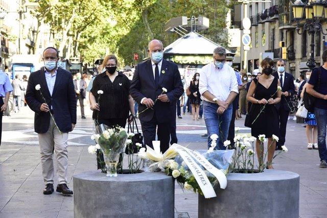 Minut de silenci en record a les 16 persones que van morir el 17 d'agost del 2017.
