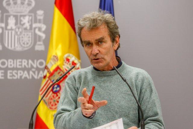 El director del Centro de Coordinación de Alertas y Emergencias Sanitarias (CCAES), Fernando Simón, ofrece una rueda de prensa para informar sobre la evolución de la pandemia de coronavirus