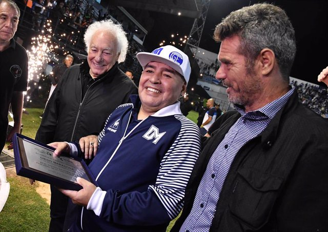 25 February 2020, Argentina, Buenos Aires: Argentine football legend Diego Maradona (C) attends a homage event held in his honour at the Estadio Centenario. Photo: Alfredo Luna/telam/dpa