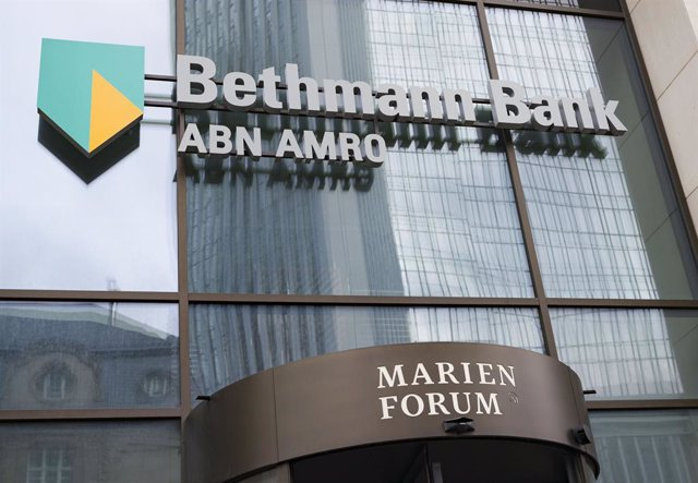 27 February 2020, Hessen, Frankfurt_Main: A general view of the facade of the German Bethmann Bank, the subsidiary of the Dutch ABN AMRO bank, at Frankfurt's banking district, where a search operatio has been conducted in connection with the tax scandal i