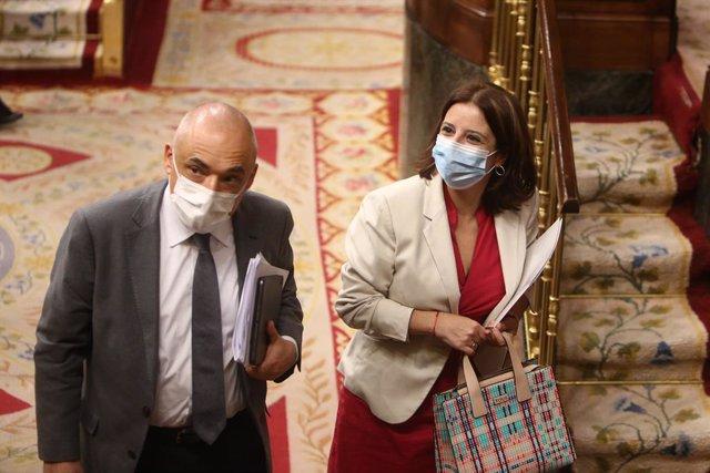 La sots-secretària general del PSOE, Adriana Lastra, i el secretari general del PSOE al Congrés, Rafael Simancas.