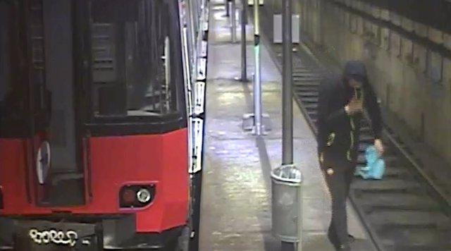 Detinguts 99 grafiters per pintar als vagons de Renfe i Metro de Barcelona.