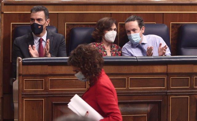 La ministra de Hacienda y portavoz del Gobierno, María Jesús Montero, durante el debate de Presupuestos