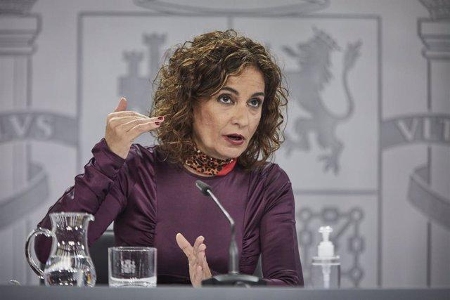 La ministra portaveu i d'Hisenda, María Jesús Montero, durant una conferència de premsa.