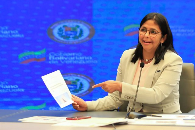 HANDOUT - 18 June 2020, Venezuela, Caracas: Venezuela's vice president Delcy Rodriguez delivers a statement at the Presidential Palaca. Rodriguez has accused the World Bank, presided by David Malpass of intending to block Venezuelan institutions and favor