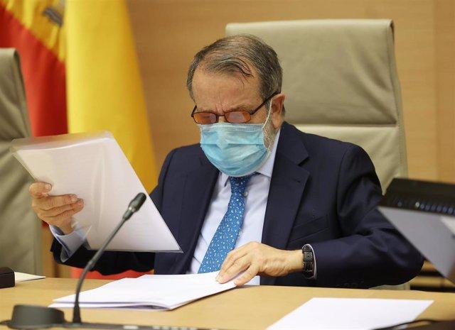 El Defensor del Pueblo en funciones y Adjunto Primero, Francisco Fernández Marugán, en el Congreso