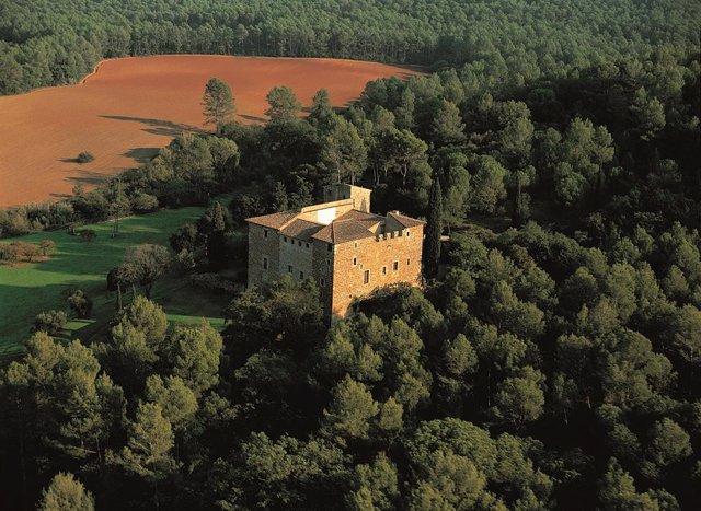 El castell de la finca de Torre Negra (Sant Cugat)