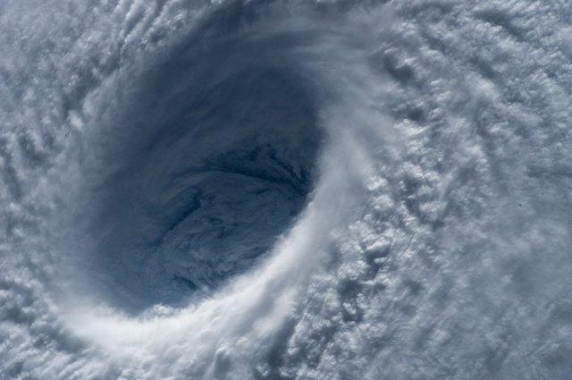 Ojo de huracán visto desde el espacio