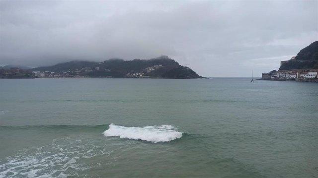 Nubes sobre la costa de Euskadi (archivo)