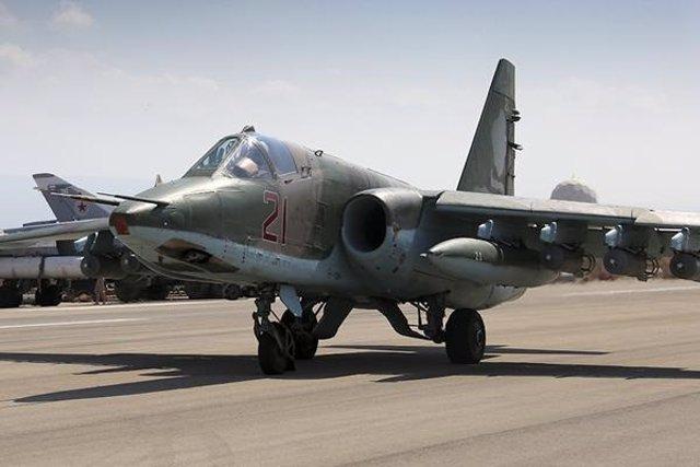 Avión de combate ruso Su-25 en Siria