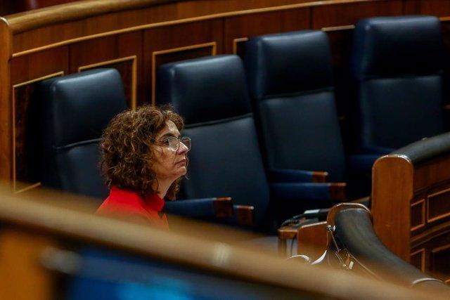 La ministra de Hacienda, María Jesús Montero, durante la segunda parte del pleno de Debate de totalidad del Proyecto de Ley de Presupuestos Generales del Estado para el año 2021, en el Congreso de los Diputados, Madrid, (España), a 11 de noviembre de 2020