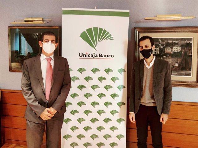 Firma de la renovación del convenio entre Unicaja y Campomar