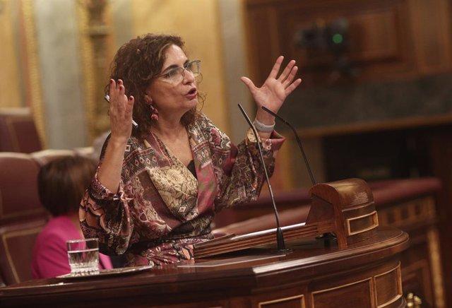 La ministra portaveu i d'Hisenda, María Jesús Montero, intervé al Congrés dels Diputats durant la segona jornada del debat dels pressupostos generals del 2021.