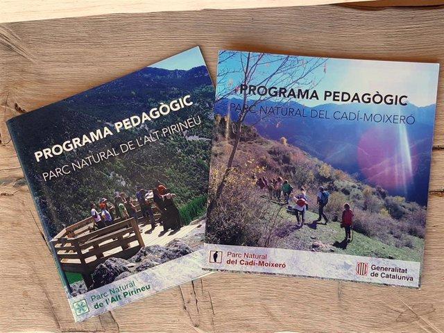 Folletos de las actividades programadas por los parques naturales del Alt Pirineu y el Cadí-Moixeró.