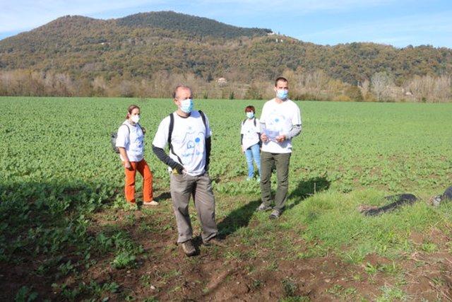 Membres de la plataforma Salvem les Valls en un dels trams afectats per la variant aquest 12 de novembre del 2020. (Horitzontal)