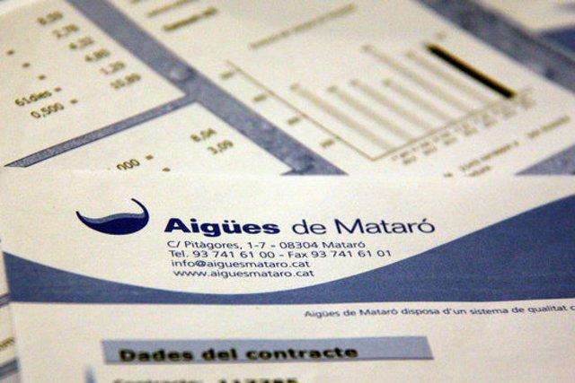 Factures de la companyia Aigües de Mataró, en una imatge d'arxiu (horitzontal)