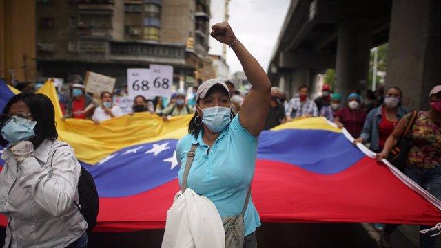 Trabajadores sanitarios en Caracas.