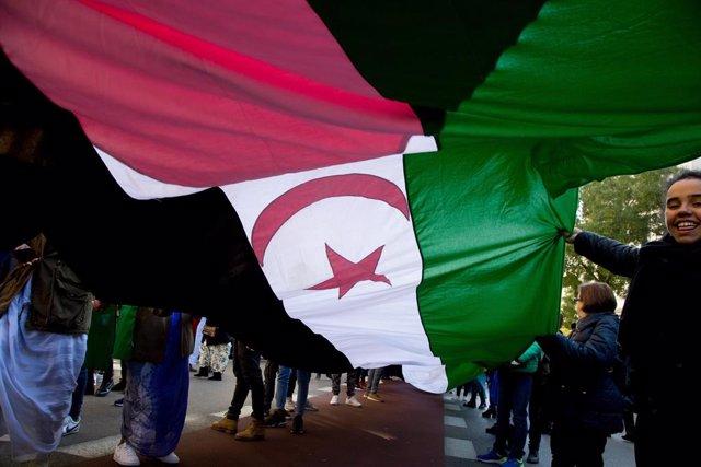 Manifestación en defensa del derecho de autodeterminación del pueblo saharaui en Madrid